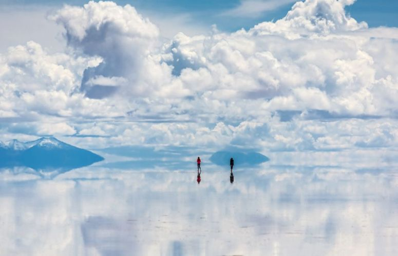 salar-de-uyuni-clouds-reflection-jpg-1000x0_q80_crop-smart