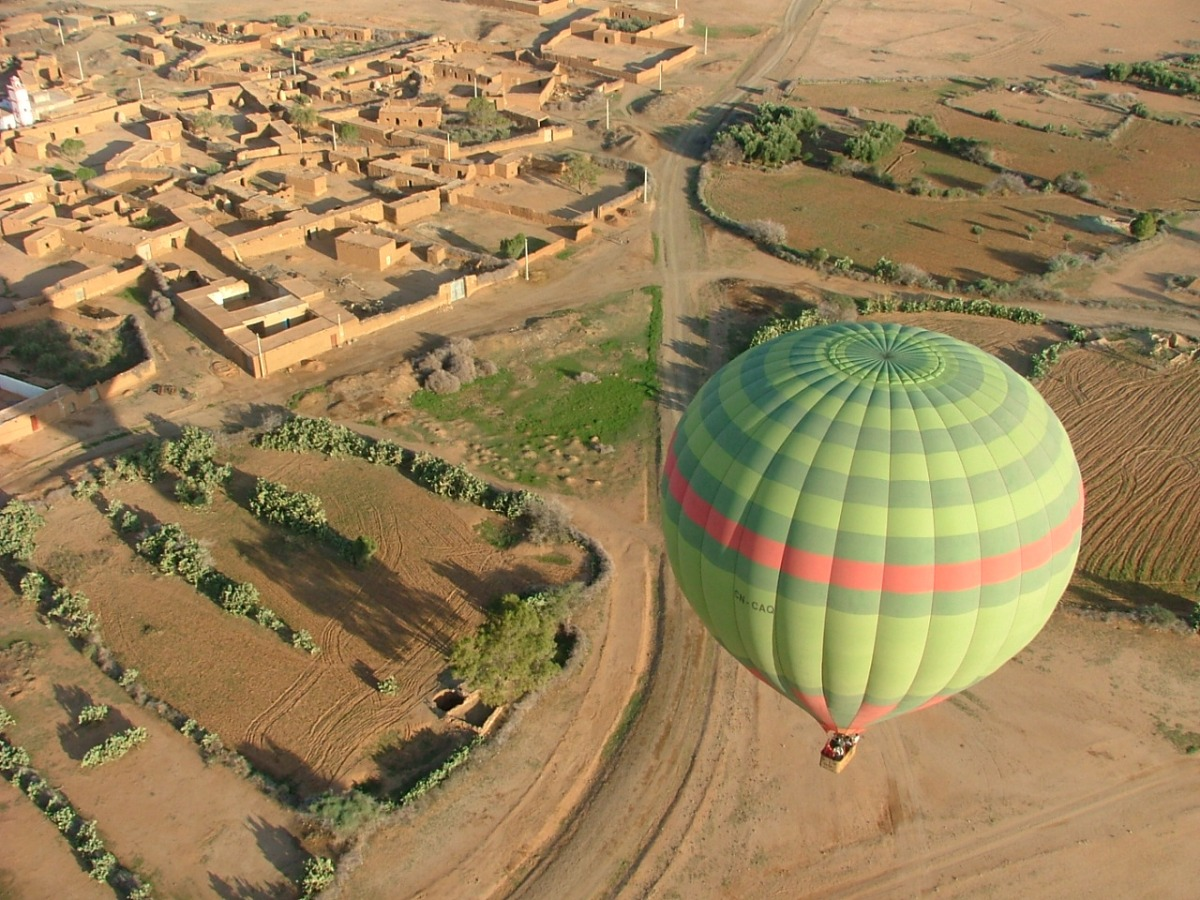 balloon_flight_close_up