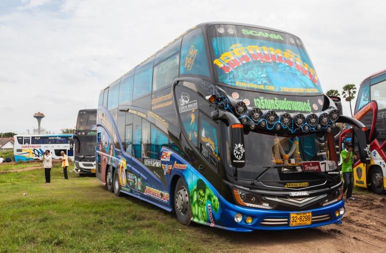 Autobús,_Ayutthaya,_Tailandia,_2013-08-23,_DD_01
