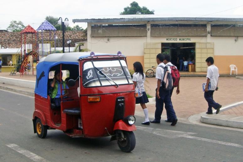 Moto-taxis in El Salvador